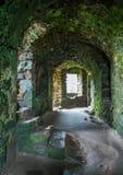 在Dunnottar城堡的内部视域,在Stonehaven附近,苏格兰 免版税库存照片