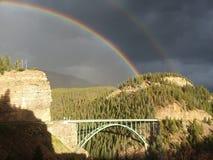 在Eagle河桥梁科罗拉多的双彩虹 免版税库存图片