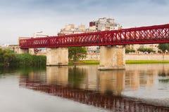 在Ebre河的人行桥在托尔托萨角 库存照片