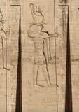 在Edfu寺庙的安心在埃及 图库摄影