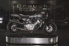 在EICMA的Brough优越motobike 2014年在米兰,意大利 库存图片