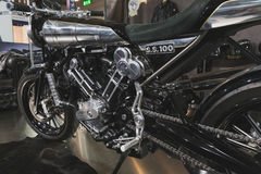 在EICMA的Brough优越motobike 2014年在米兰,意大利 库存照片