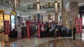 在Eid AlFitr前的Eid折扣在哈托诺购物中心日惹 免版税图库摄影
