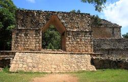 在Ek Balam的寺庙曲拱 库存图片