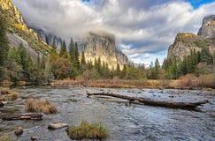 在El Capitan的日落 免版税库存图片