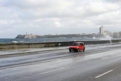在El Malecon的飓风在哈瓦那 免版税图库摄影