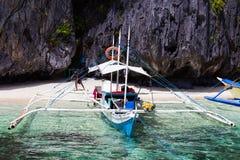 在El Nido,菲律宾的菲律宾小船 库存照片