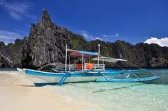 在El Nido -巴拉望岛,菲律宾附近的清水海岛 免版税库存照片