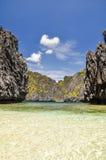 在El Nido -巴拉望岛,菲律宾附近的美丽的盐水湖 库存图片
