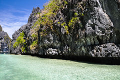 在El Nido -巴拉望岛,菲律宾附近的美丽的盐水湖 库存照片