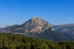 在El Pedraforca附近的非凡路线 库存照片