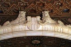 在El Transito犹太教堂的两头狮子或`犹太教堂撒母耳ha莱维`在托莱多,西班牙 免版税库存照片