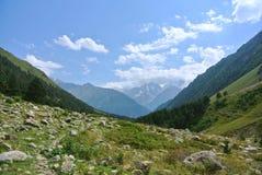 在Elbrus附近 免版税库存图片