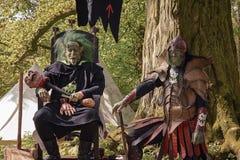 在Elfia事件期间,人装饰作为恶劣拖钓 免版税库存图片
