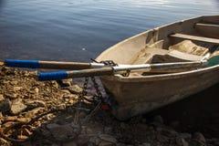 在Enisey的小船 库存图片