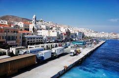 在Ermoupolis镇、锡罗斯岛或者锡罗斯岛或者Syra,希腊的锡罗斯岛口岸 库存图片