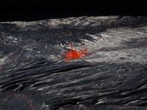 在Erta强麦酒火山里面的熔岩 免版税库存照片