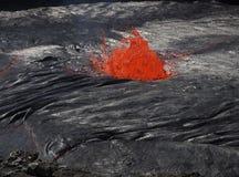 在Erta强麦酒火山,埃塞俄比亚里面的熔岩 库存图片