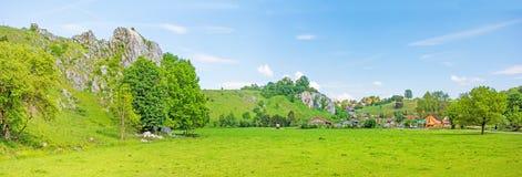 在Eselsburg,谷Eselsburger Tal附近的全景 库存照片