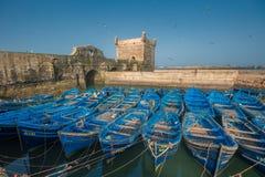在Essaouira口岸,摩洛哥的渔夫小船 免版税图库摄影