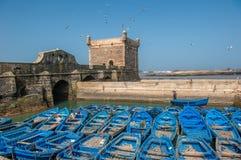 在Essaouira口岸,摩洛哥的渔夫小船 免版税库存图片