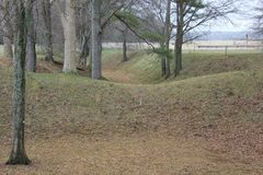 在Etowah土墩附近的护城河 免版税库存图片