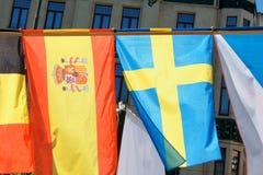 在Europen市前面的欧洲旗子 免版税库存图片