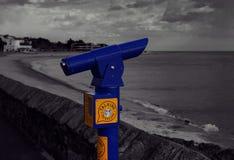 在Exmouth散步的一台谈的望远镜 免版税库存照片