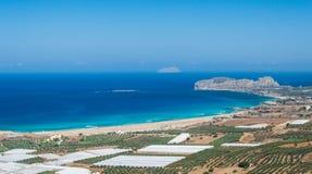 在Falassarna,克利特海岛,希腊海湾的惊人的看法 免版税库存图片