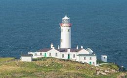 在Fanad头, Donegal,爱尔兰的白色灯塔 免版税库存照片