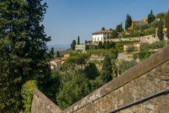 在fiesole山的别墅在佛罗伦萨上的 免版税库存照片