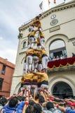 在fira arrop巴达洛纳的Castellers 免版税库存图片