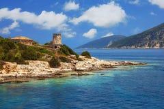 在Fiscardo, Kefalonia的灯塔 免版税库存图片