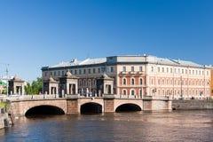 在Fontanka河,圣彼德堡的Staro-Kalinkin桥梁 彼得斯堡俄国 免版税库存照片