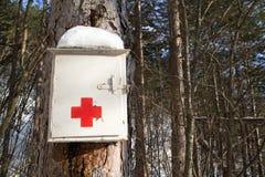 在Forrest的医疗应急成套工具 免版税库存照片