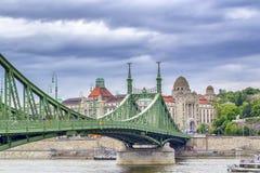 在Fredoom桥梁的一个看法在布达佩斯 库存照片