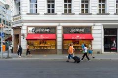 在Friedrichstrasse的精品店Wempe 图库摄影