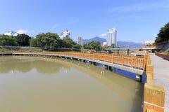 在fuchun小河的木桥 库存图片
