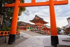在Fushimi Inari寺庙的Torii门 免版税图库摄影