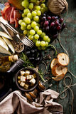 在G的鲜美意大利希腊地中海食品成分顶视图 免版税库存照片
