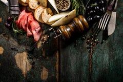 在G的鲜美意大利希腊地中海食品成分顶视图 库存照片