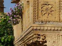 在Gadisar坦克, Jaisalmer的寺庙 图库摄影