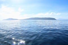 在Gam海岛上的早晨太阳 免版税图库摄影