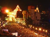 在Ganesh节日期间-拥挤的Nightview 免版税库存照片