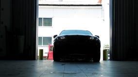 在Garager的黑汽车 股票视频