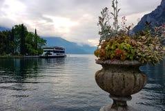 在Garda湖的秋天静物画 免版税图库摄影