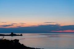 在Gargano、trebuchet和撒拉逊人塔的日落 免版税图库摄影