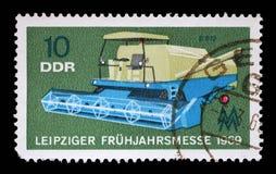 在GDR展示打印的邮票结合,农业机器,莱比锡市场 免版税库存照片