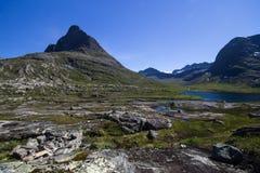 在Geiranger Trollstigen山路的Meiadalen谷在南挪威 库存照片