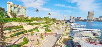在Gezira海岛,开罗,埃及上的出租小船 免版税库存照片